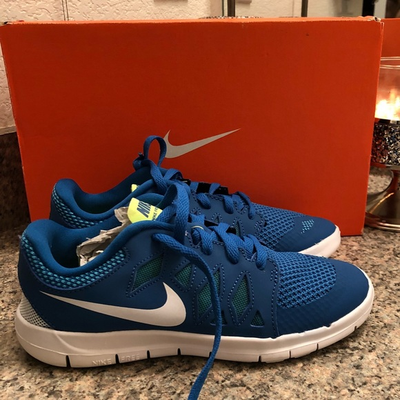 11c9bcbf77ef NIB Blue Nike Free Athletic Shoes Kids Size 3